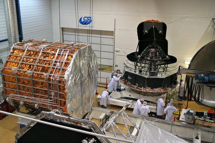 Le_modele_de_vol_de_l_observatoire_Planck_durant_ses_essais_et_preparatifs_au_Centre_Spatial_de_Liege_CSL_node_full_image_2